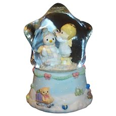 Precious Moments Christmas Snow Globe Music Box Enesco