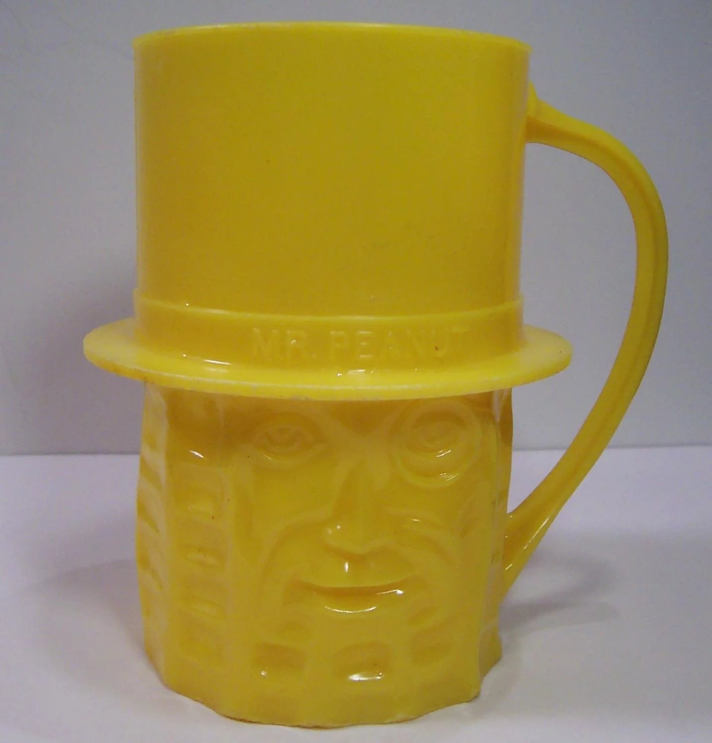 Planters Nuts Vintage Yellow Mr Peanut Mug Ruth S