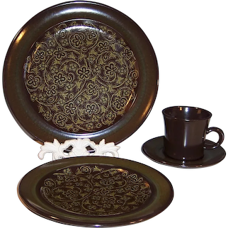 4 Piece Franciscan Madeira Place Settings (TWO Settings Available)