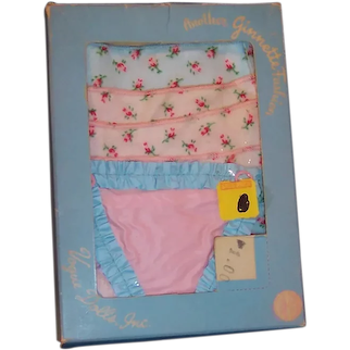 1956 Vogue Ginnette Diaper Pak / Pack of 6 Diapers, Plastic Pants, Box / Package
