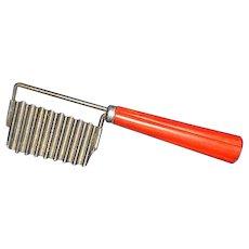 Red Bakelite Handle Veggie Crinkle Cut Slicer Knife Tool