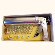Wear-Ever Aluminum Trigger-Quick Cookie Gun Pastry Cake Decorator 13 Piece Set Original Box