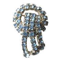 Blue Prong Set Rhinestone Circle and Ribbon Brooch / Vintage Jewelry / Vintage Brooch / Blue Rhinestone Pin