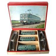 Karl Bub Clockwork Train Set - Tin Train - O Scale Train - 4 Wheel Clockwork Loco Tinplate – Vintage Mechanical Toy