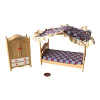Tomy Dollhouse Bedroom Four Poster Bed and Wardrobe - Dollhouse Bed Room - Miniature Bedroom Furniture - Doll House Furniture