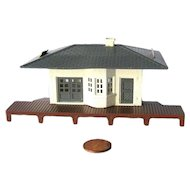 Model Railroad HO Scale Train Station by Bachmann - Miniature Train Display