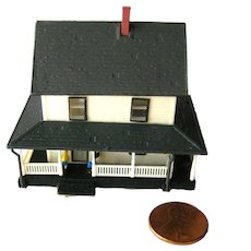 Miniature N Scale House With People and Great Detail by Bachman - Train Collectors - Railroad Accessories