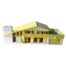 Bachmann Mid Century Miniature HO Scale Model Home - Model Railroad Background House