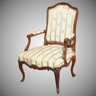 Exceptional Louis XV 1760 French Provincial Carved Walnut Armchair