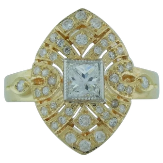 Ladies Engagement Fashion Ring With Princess Cut Diamond