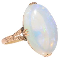 Antique Jelly Opal and 18 KT Gold Ring