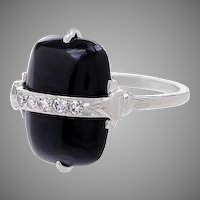 14 KT. White Gold, Diamond and Cabochon Onyx Ring