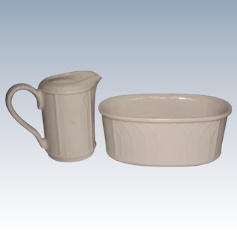 Gothic Pottery Cream And Sugar Set