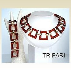 Vintage Chunky Trifari Set Tortoise Amber Lucite Plastic Gold Tone Metal Necklace Bracelet