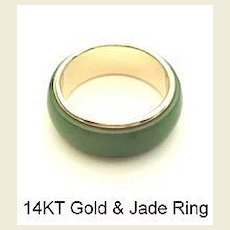 Vintage Estate 14KT Yellow Gold & Jade Ring Hallmarked