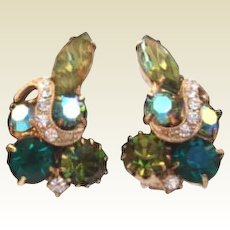 Unsigned Weiss - Eisenberg Emerald & Olvine Rhinestone Earrings with Rhinestone Ribbon Icing