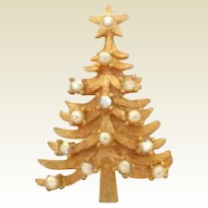 Vintage MYLU AB Rhinestone and Faux Pearl Christmas Tree Pin Brooch