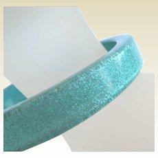 Vintage Ocean Blue Turquoise Glitter Lucite Bangle Bracelet