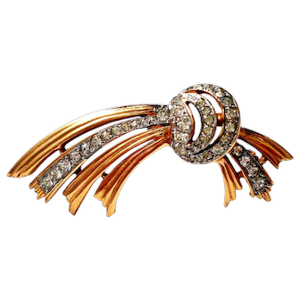 Antique Brooch Gold Plated, with Strass Style Art Deco, Circa 1940 Measure 60mm x 30mm weighs 9 grams