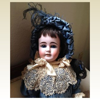 Antique French Market 44 - 30 Kuhnlenz  Bisque Head Doll