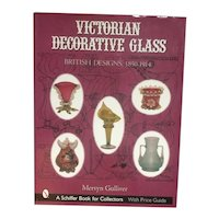 Victorian Decorative Glass Book : British Designs, 1850-1914 Gulliver