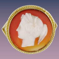 French Antique Agate Cameo 18 Karats Yellow Gold Ring