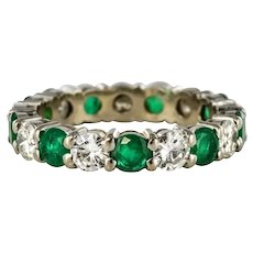 Emerald Diamond 18 Karats White Gold Eternity Ring