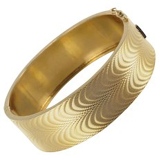 1950s French Moire Engraved 18 Karats Yellow Gold Bangle Bracelet