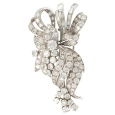 1950s French 7.5 Carats Baguette and Brilliant Cut Diamonds 18 Karats White Gold Brooch