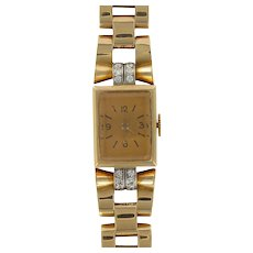 French Ladies 18 Karats Yellow Gold Diamond Retro Mechanical Wristwatch, 1940s