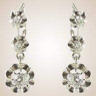 French 1930s Three Diamond 18 Karats White Gold Dangle Drop Earrings