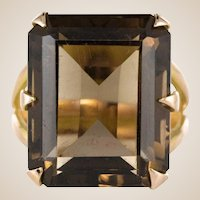 1960s Vintage Smoky Quartz 18 Karat Yellow Gold Ring