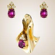 Modern Ruby Diamond Yellow Gold Pendant and Earrings