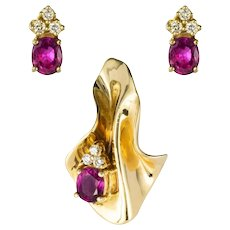 Modern Ruby Diamond Yellow Gold Pendant and Earrings