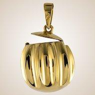 1980s Retro Secret 18 Karat Yellow Gold Pendant