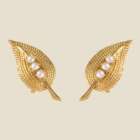 1960s Cultured Pearl Yellow Gold Clips Earrings