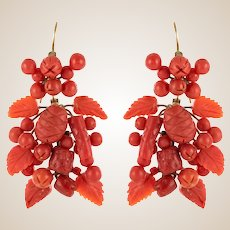 20th Century Italian Yellow Gold Coral Dangling Earrings