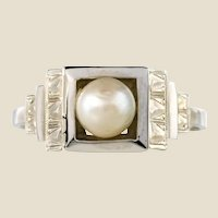 French 1930s Art Deco Natural Pearl 18 Karat White Gold Ring