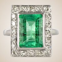 1920s French Art Deco 2.60 Carat Emerald Diamond Ring