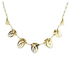 French 1910s Art Nouveau 18 Karat Yellow Gold Drapery Necklace