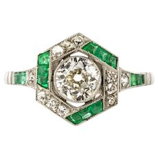1920s Art Deco Calibrated Emeralds Diamonds Ring