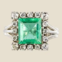 French 1960s 2 Carat Emerald Diamond 18 Karat White Gold Platinium Ring