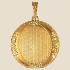French 1900s 18 Karat Green and Yellow Gold Locket Pendant