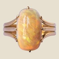French 20th Century Australian Opal 18 Karat Yellow Gold Ring