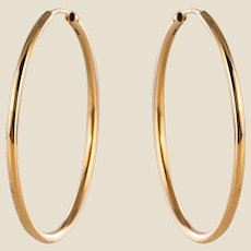 Modern 18 Karat Yellow Gold Hoop Earrings