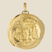 Modernist 18 Karat Yellow Gold Pendant Medal