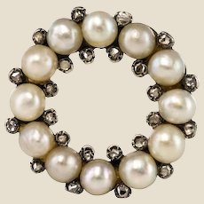 19th Century Natural Pearl Diamonds 18 Karat Yellow Gold Round Brooch