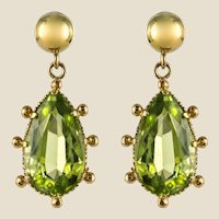 19th Century 4 Carat Peridot 18 Karat Yellow Gold Drop Earrings