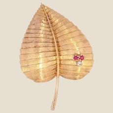 1950s Diamond Ruby 18 Karat Yellow Gold Leaf Brooch