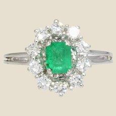 French 1960s Emerald Diamonds 18 Karat White Gold Daisy Ring